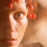 Девушка с ягодками